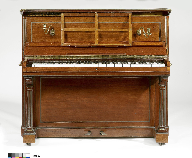Collections du mus e de la musique philharmonie de paris p le ressources - Comment demenager un piano droit ...
